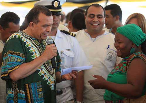 honduran president with garifuna