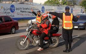 honduras-police-stop-motorcycle-with-2-men