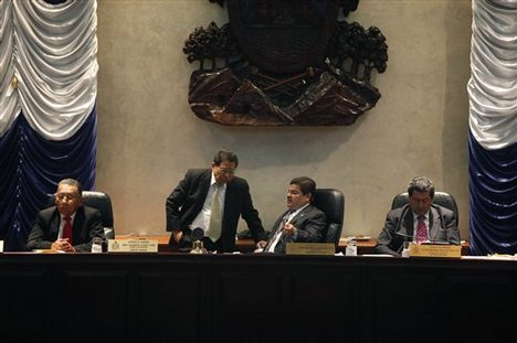 Honduran Congress Votes for Impeachment