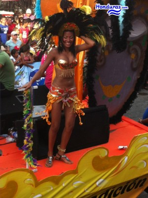 Costume at La Ceiba Carnival 2013