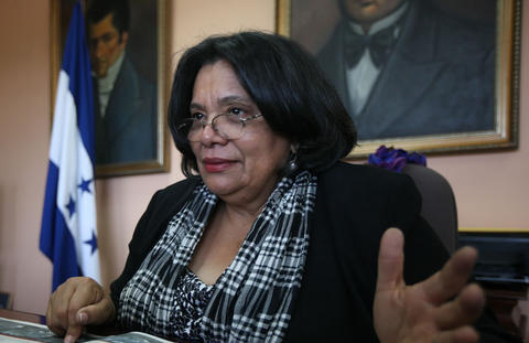 Castellanos ReElected as Director of UNAH