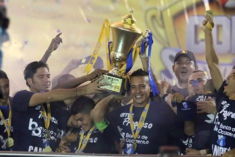Honduras-National-Soccer-League-2015-Champion-Honduras-Progreso-Celebration