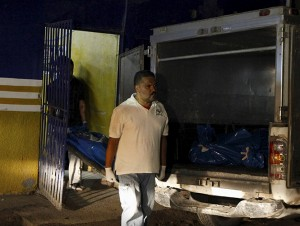 12 Murdered i Honduras Pool Hall by Police Impersonators