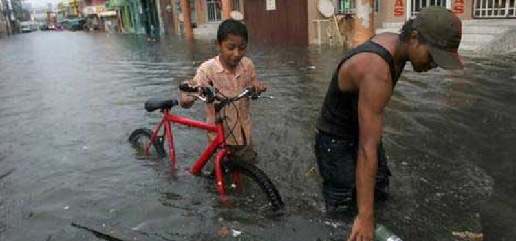 Honduras Coastal Flooding Prompts Rescues