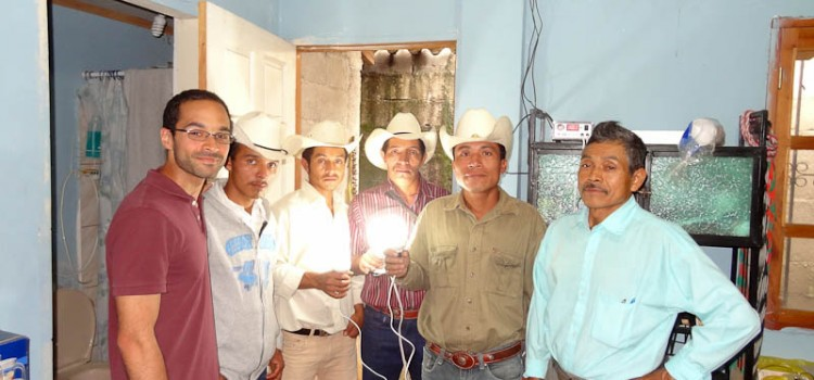El Camino a la Superacion – Lighting A New Future In The Aldeas Of Copan