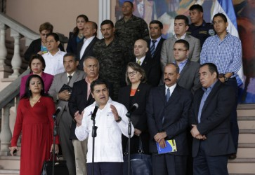 Honduras President Meets with Commission