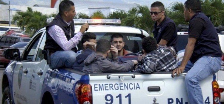 U.S.-bound Syrians detained in Honduras with fake passports