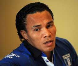 bicolor soccer player for honduras