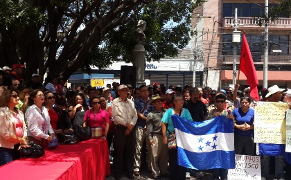 Protesters multiplying throughout the Country of Honduras Calling for President Juan Orlando Hernandez Resignation