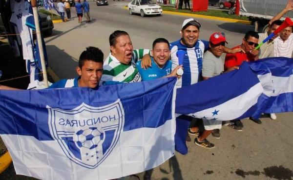 Honduras vs Mexico 2015 National Team Fans Ready for Mexico vs Honduras in San Pedro Sula November 17, 2015