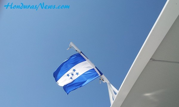 The-Utila-Dream-Proudly-Displaying-Honduras-Flag
