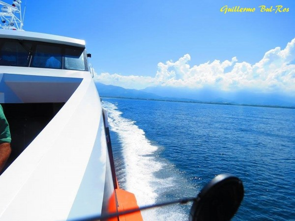 Utila Dream Ferry Cruising From La Ceiba Utila Bay Islands Honduras
