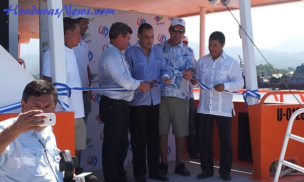 Utila Dream Ferry Inaugural Ribbon Cutting From Left to Right: Investor/Owner Richard Watler, Mayor of Utila Troy Bodden Sr., Mayor of La Ceiba Carlos Aguilar, Investor/Owner Kenny Mcnab, Minister of Tourism for the Country of Honduras Emilio Silvestri