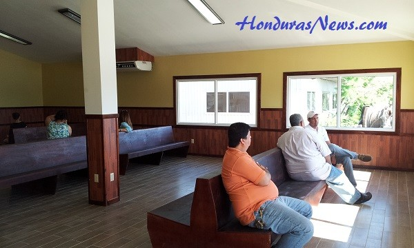 Utila Dream Ferry La Ceiba Terminal Waiting Area