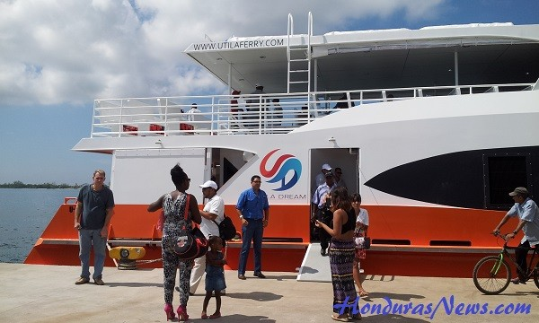 Utila Dream Ferry Maiden Voyage Arrival to Utila Honduras