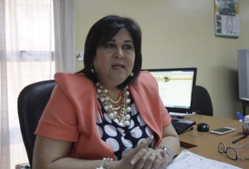 Photo of Selma Silva, from the La Prensa article talking about the complaints about the cost of graduation