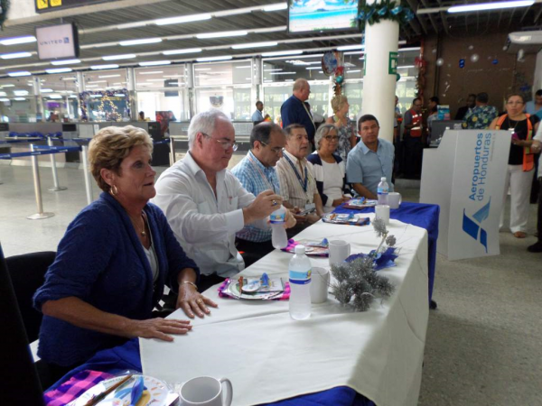 Honduras Tourism Department and Members of Roatan Businesses and Leaders along with IBC Airlines Celebrate Maiden Flight from Fort Lauderdale to Roatan