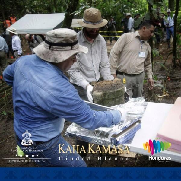 Kaha-Kamasa-Ciudad-Blanca-White-City-Honduras